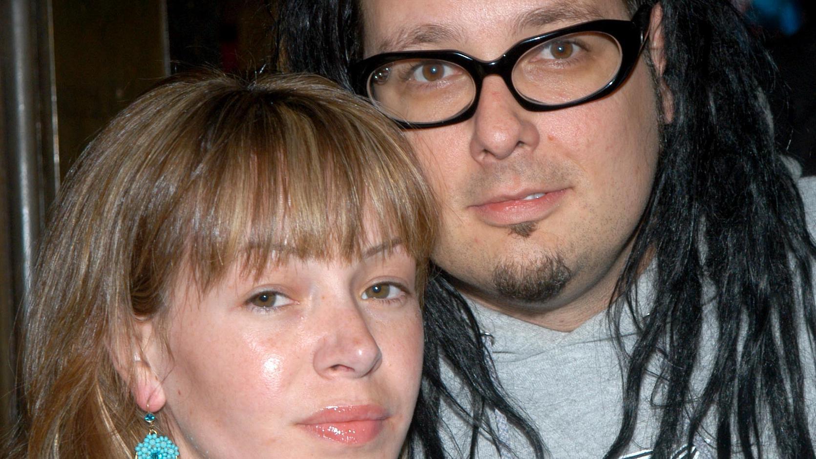 Deven Davis ist tot - Frau von Korn-Sänger stirbt mit 39 Jahren