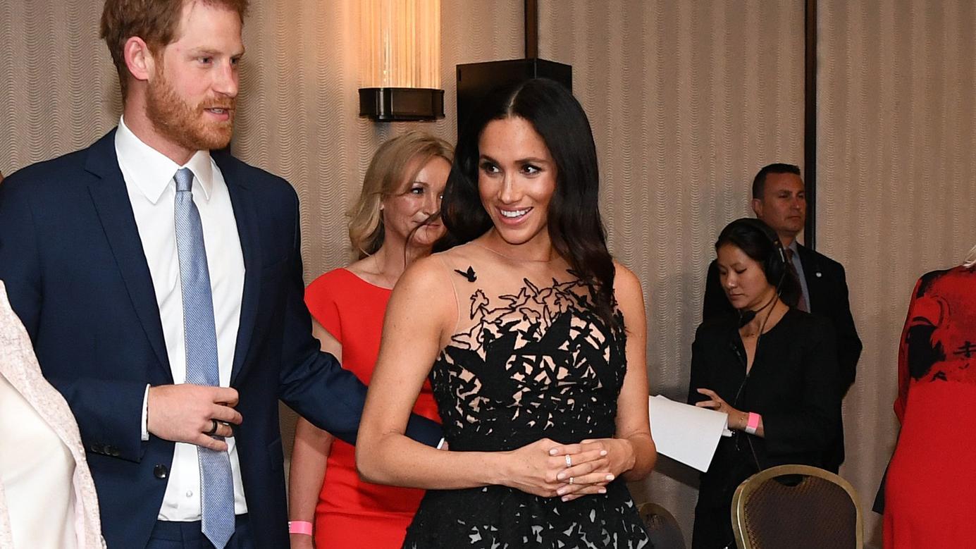 Prinz Harry und Meghan Markle fliegen nach Australien