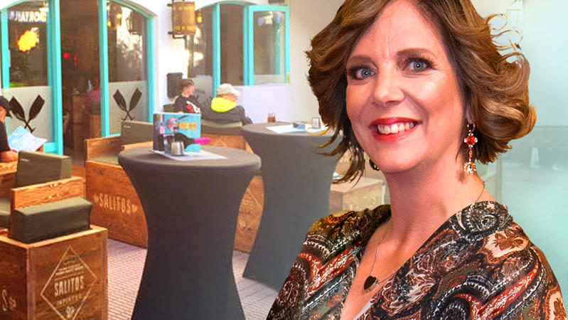 Daniela Büchner eröffnet Faneteria auf Mallorca wieder - und rastet aus