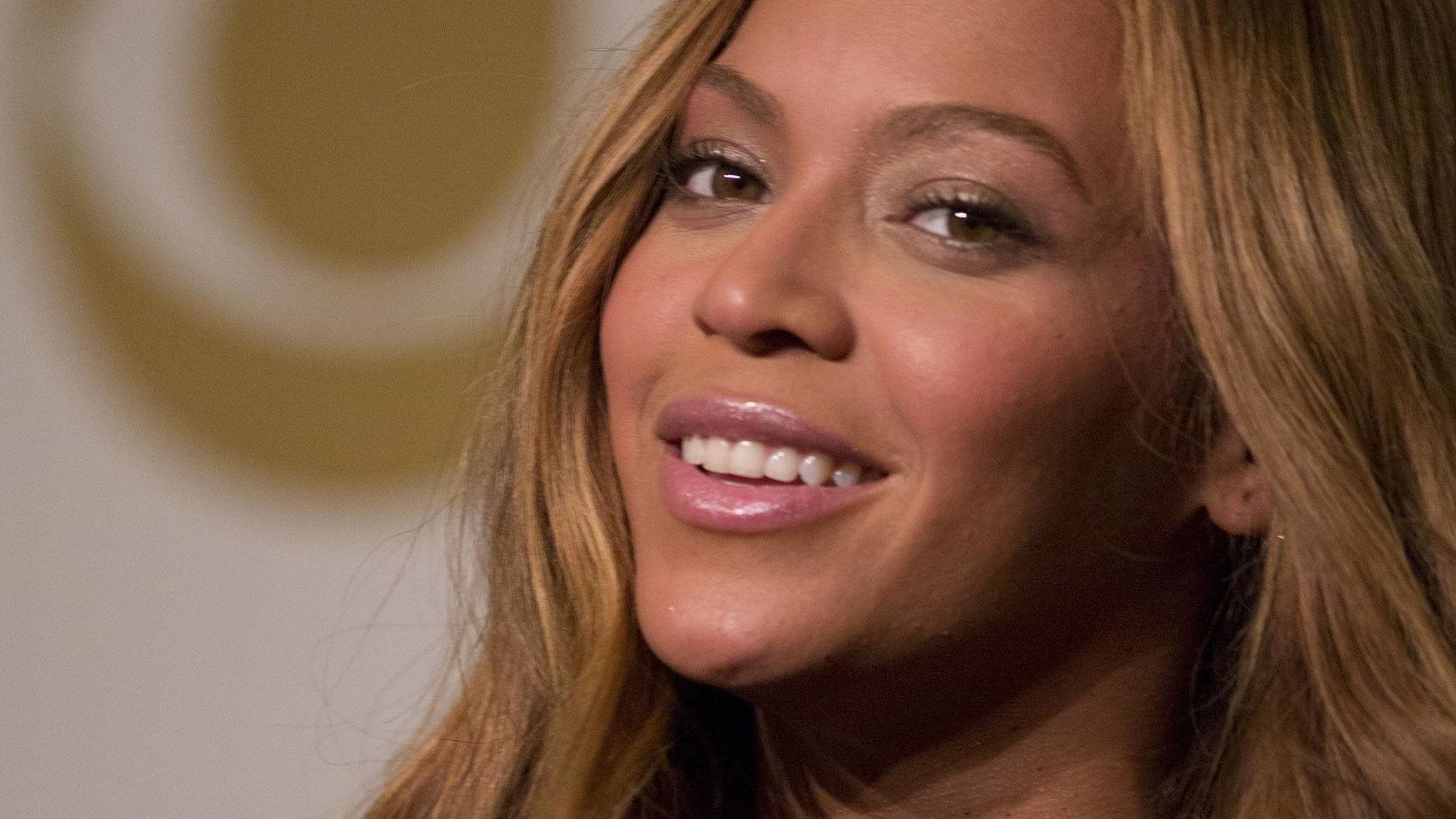 Beyoncé zeigt ihren heißen Hintern - ganz nackig - VIP.de, Star News