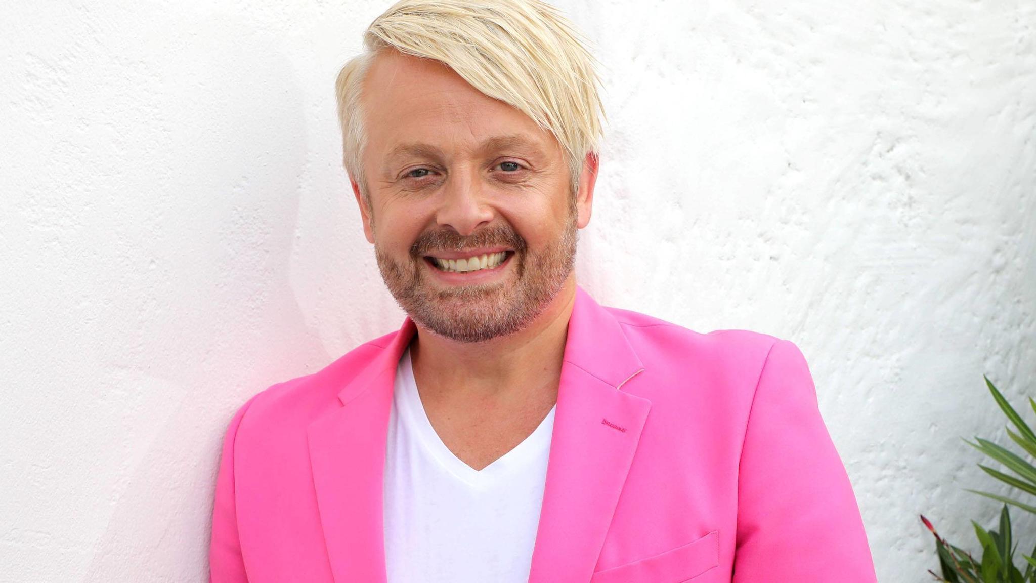 Ross Antony: Mit dieser neuen Frisur sieht er aus wie ein Kelly-Family-Mitglied - VIP.de, Star News