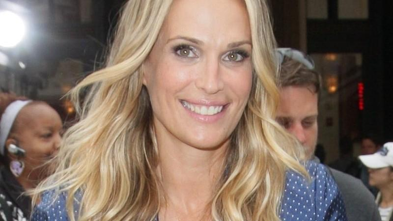 molly sims ist mama geworden. Black Bedroom Furniture Sets. Home Design Ideas