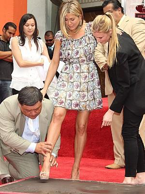 Jennifer Aniston verewigt sich am Grauman\'s Chinese Theatre