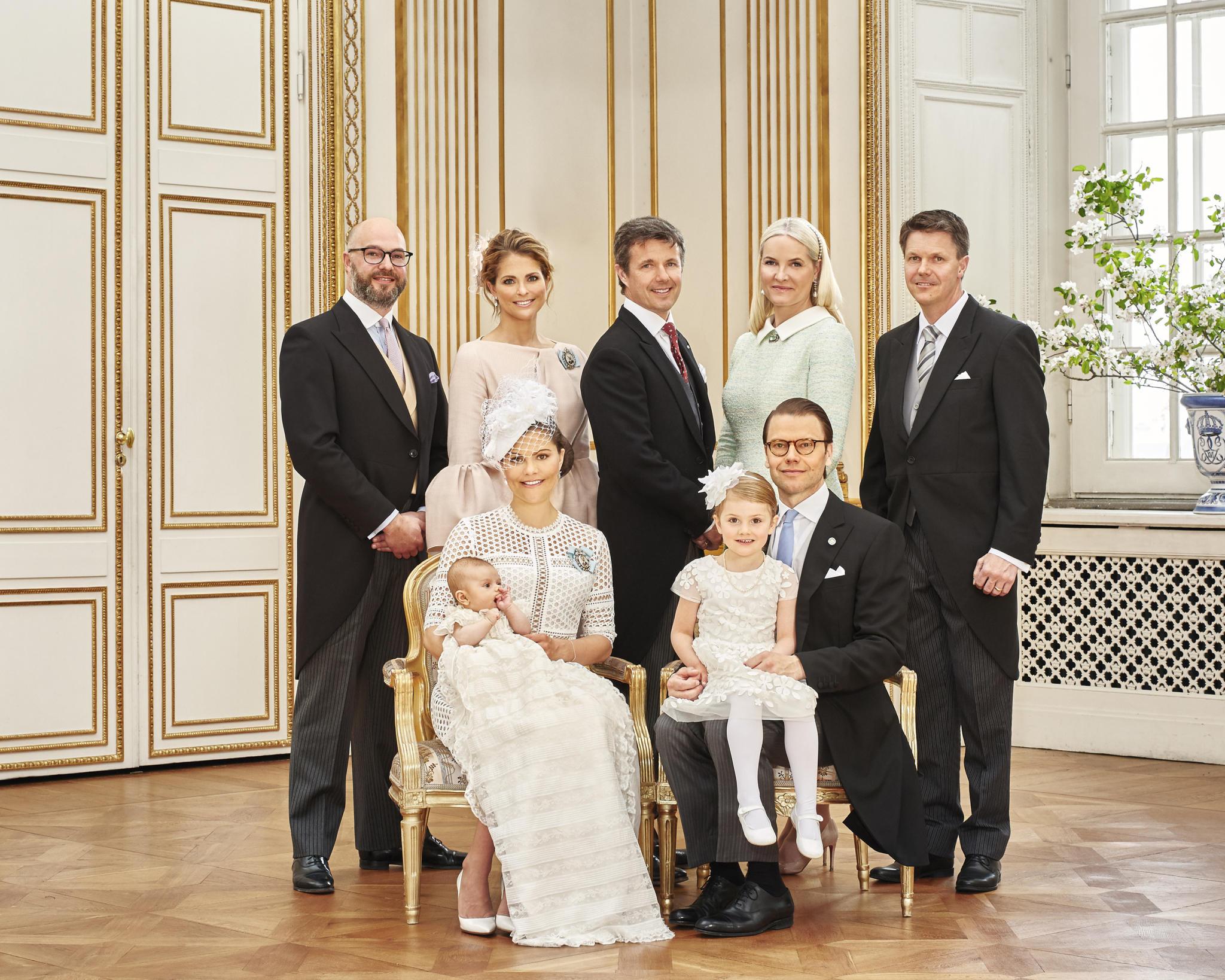 Prinz Oscar Von Schweden Die Schönsten Bilder Der Royalen Taufe