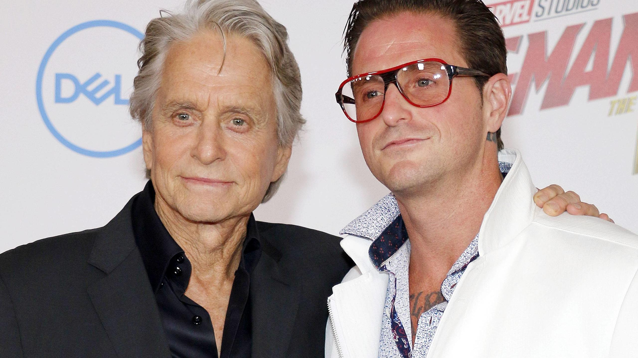 Michael Douglas und sein Sohn Cameron Douglas bei der Ant-Man and the Wasp Filmpremiere am 25.06.2018 in Hollywood, Los Angeles Ant-Man And The Wasp Filmpremiere in Hollywood, Los Angeles, 2018 *** Michael Douglas and his son Cameron Douglas at the A