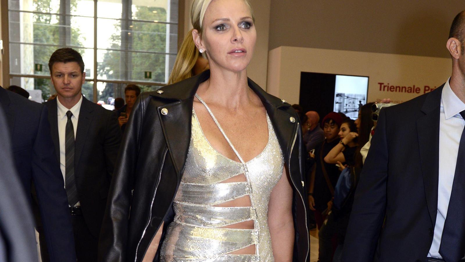 Monaco News: Mega-Dekolleté: Fürstin Charlène Von Monaco Ist Der