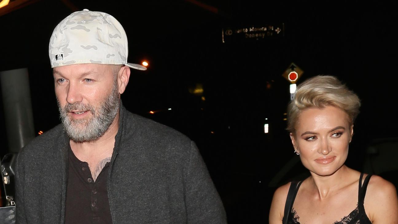 Fred Durst  mit Kseniya Beryazina Hand in Hand in West Hollywood