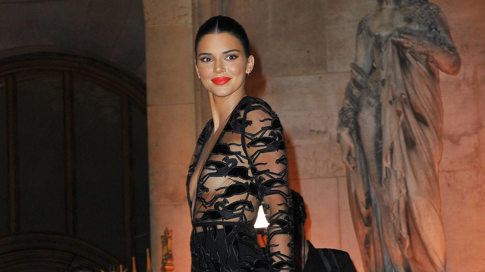 Kendall Jenner arrives at the 70th anniversary of Longchamp party at Opera Garnier in Paris, France, on September 11, 2018. Photo by Favier/E-PRESSPHOTO.COM Kendall Jenner Paris France PUBLICATIONxINxGERxSUIxAUTxONLY 594283
