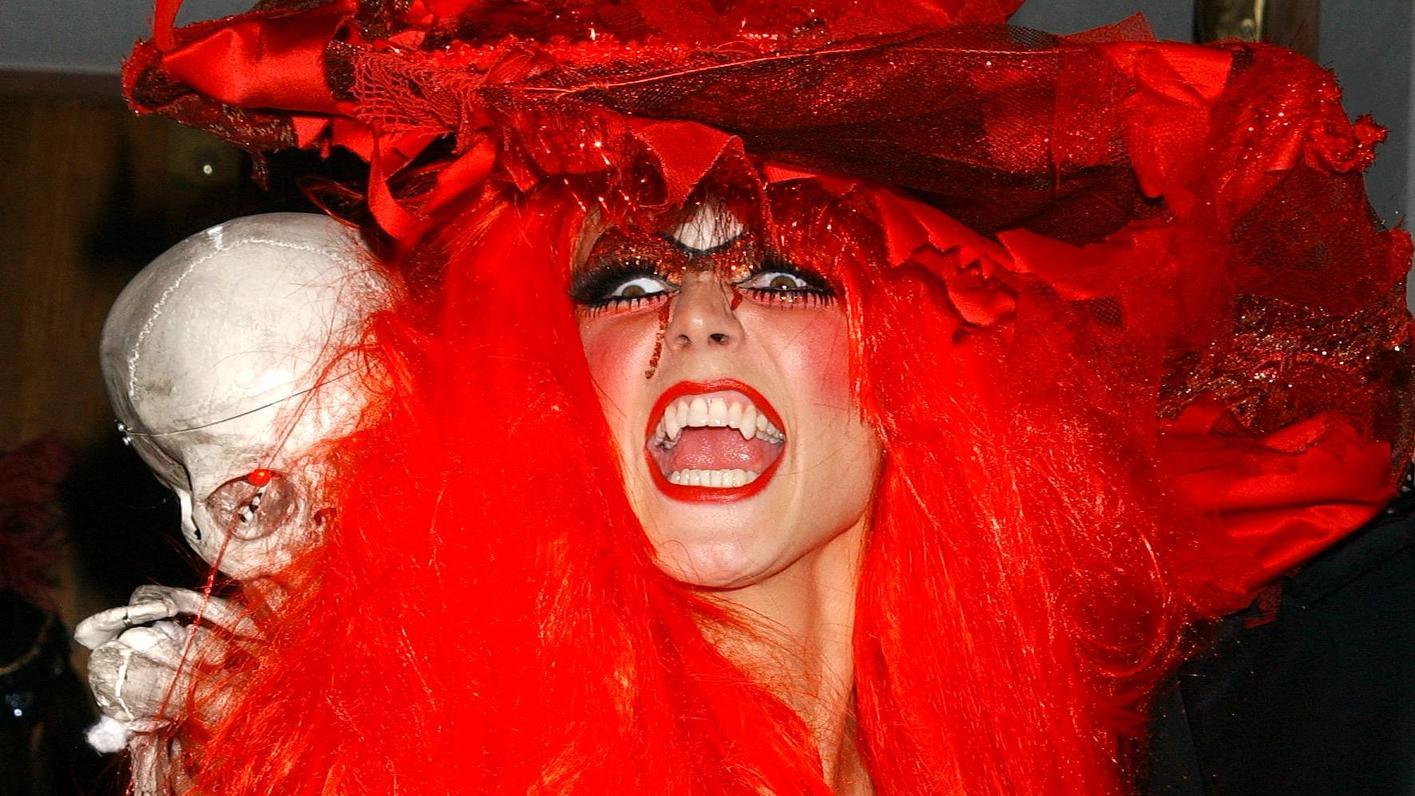Mit Welchem Kostum Uberrascht Uns Heidi Klum Dieses Halloween