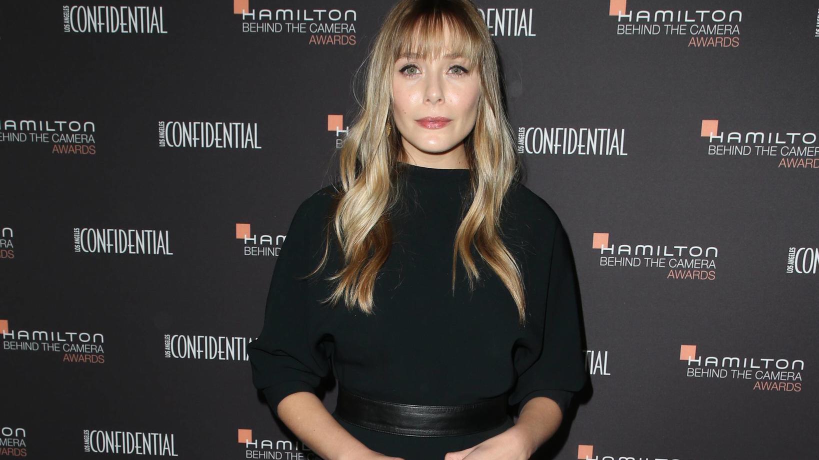 Neuer Haar Style Elizabeth Olsen Trägt Jetzt Pony