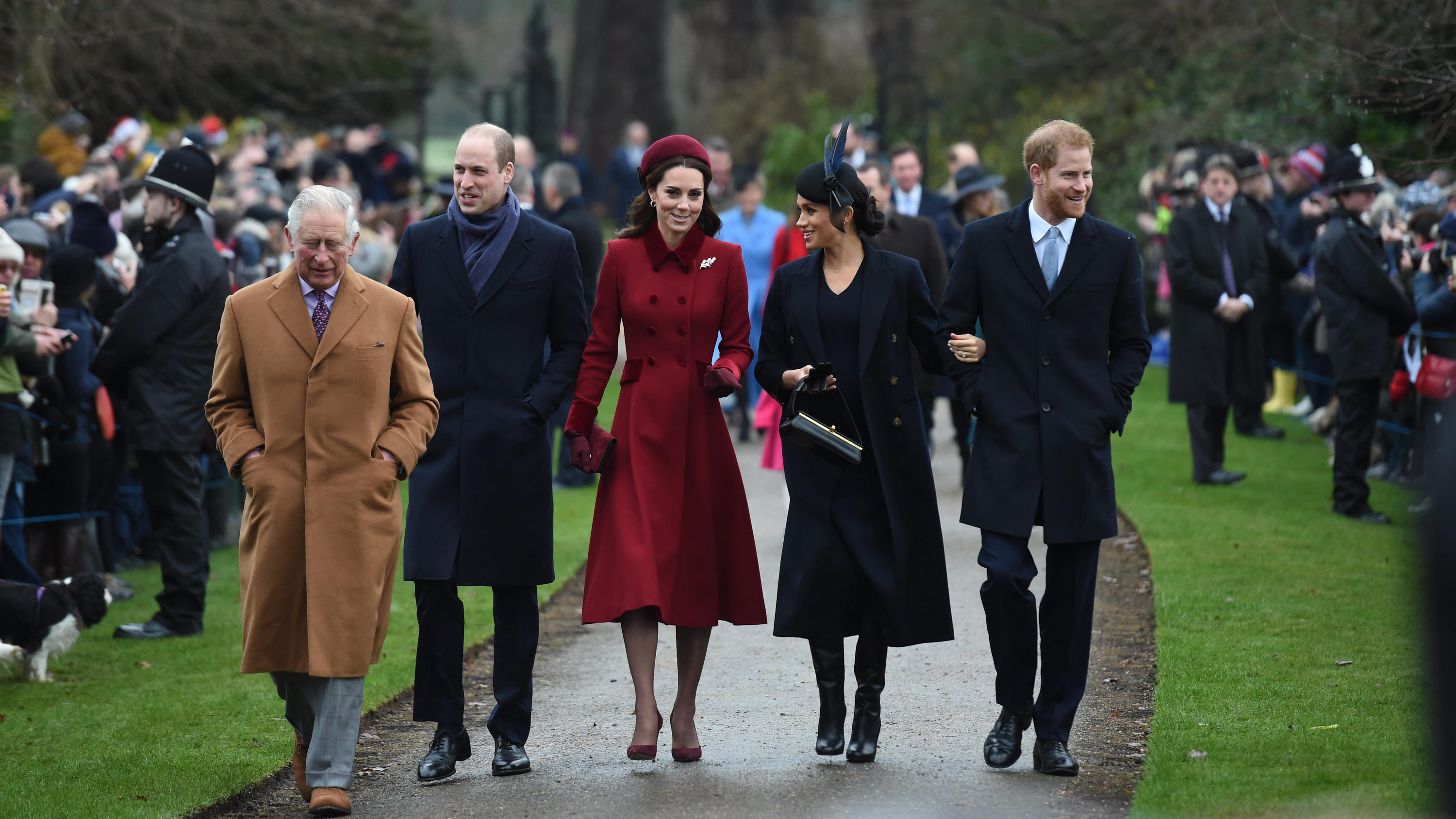 Prinz Charles, Prinz William, Kate, Herzogin von Cambridge, Meghan, Herzogin von Sussex und Prinz Harry
