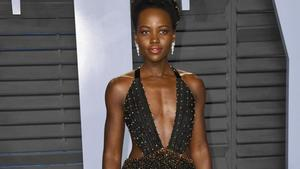 Lupita Nyong'o: Mix aus High-Fashion und Streetwear