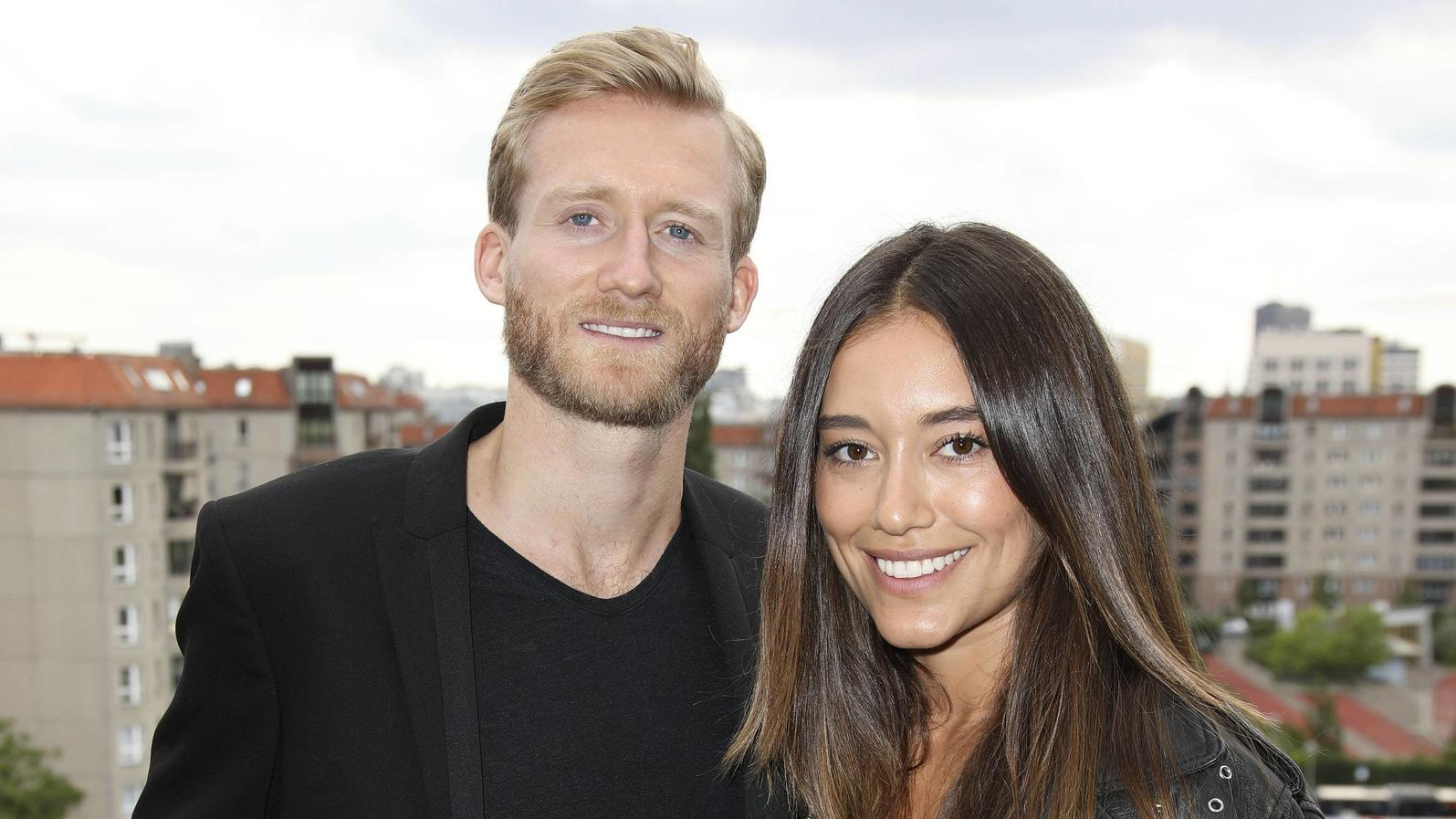 Andre Schürrle mit Freundin Anna Sharypova beim Thomas Sabo Press Cocktail auf der Berlin Fashion Week Spring/Summer 2018 im China Club. Berlin, 05.07.2017 Foto:xS.xGabschx/xFuturexImage