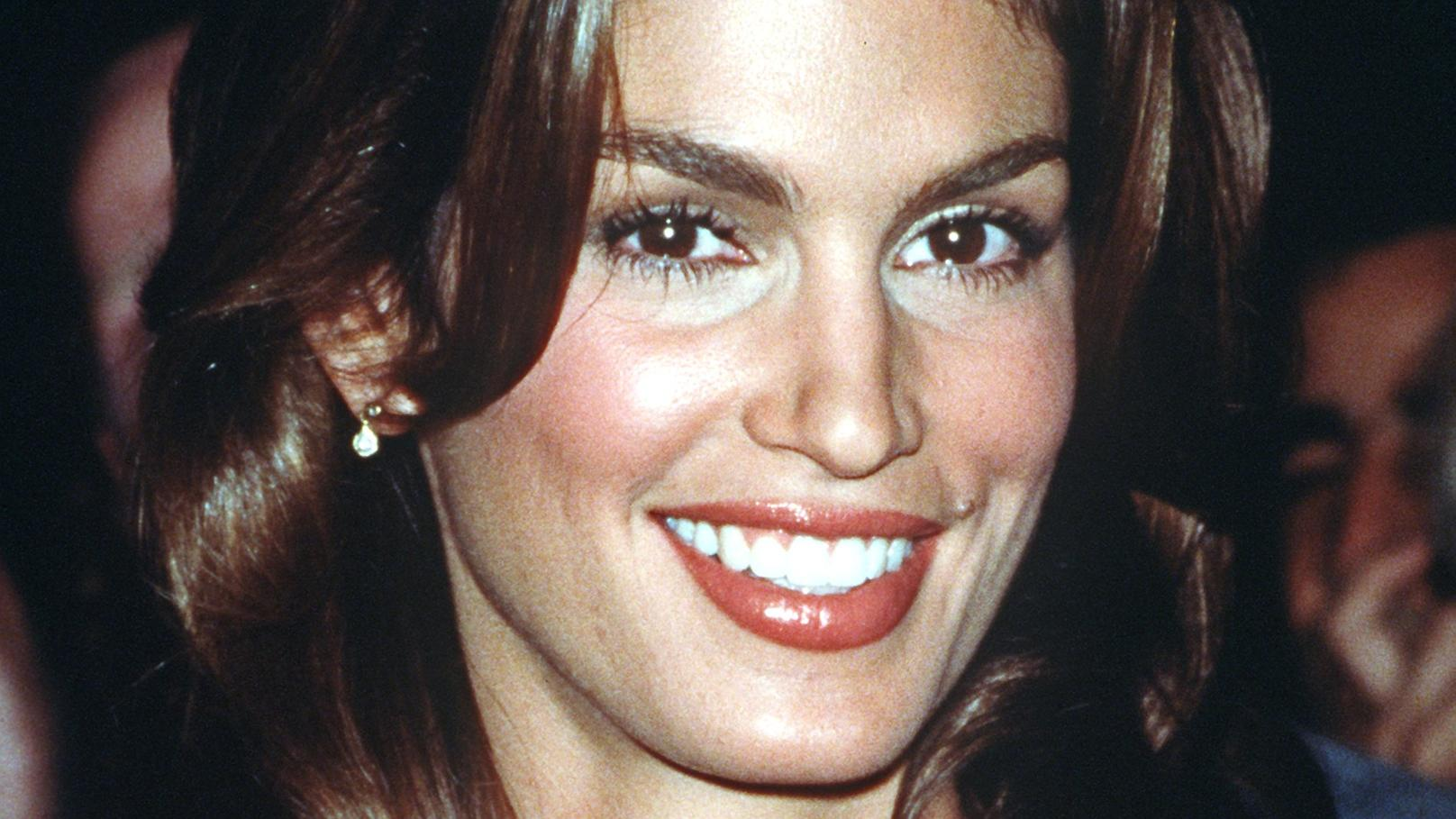 "Das amerikanische Supermodel Cindy Crawford am 14.9.1998 in New York, wo Christie Hefner einen Cocktailempfang für sie gab, nachdem Crawford auf dem Cover und in einer Fotogeschichte im ""Playboy"" erschienen war."