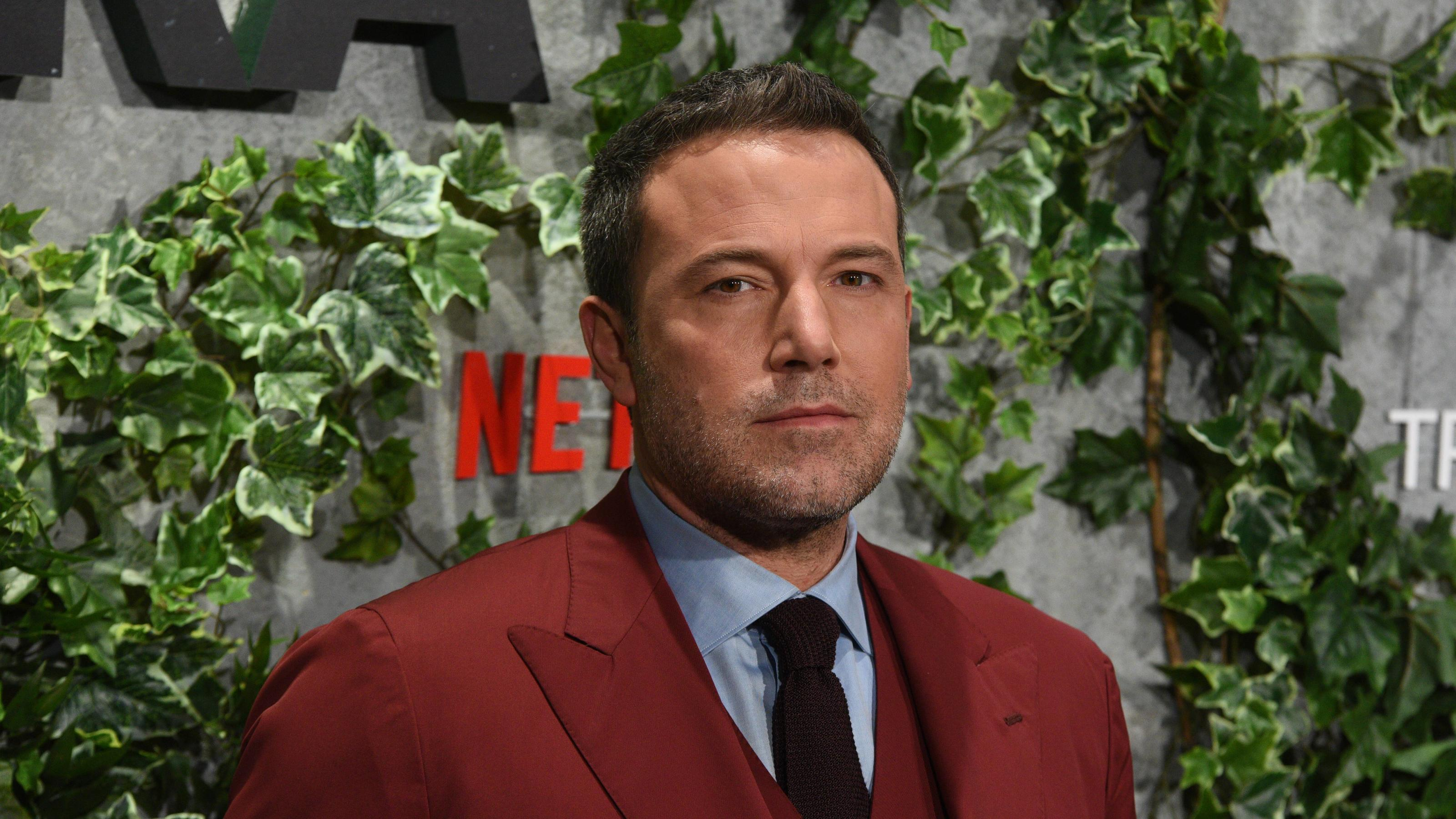 Spain: Triple Frontier Premiere in Madrid US actor Ben Affleck poses as he arrives for the premiere of Triple Frontier at Callao Cinema in Madrid. Madrid Madrid Spain PUBLICATIONxINxGERxSUIxAUTxONLY JorgexSanz