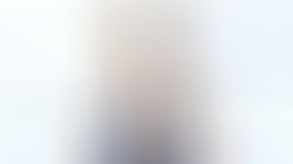 e7c94be886daba Leona Lewis im blauen Pailletten-Traum