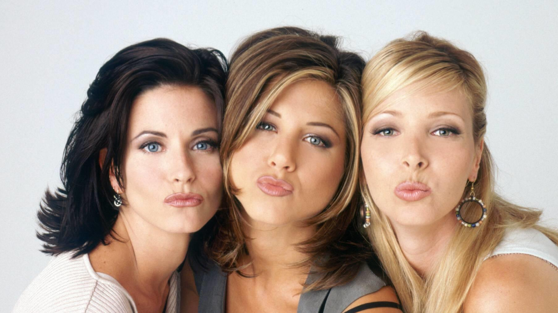 Jennifer Aniston. Pictured: Sep 22, 1994; Hollywood, CA, USA; (left to right) COURTNEY COX as Monica Geller, JENNIFER ANISTON as Rachel Green, and LISA KUDROW as Phoebe Buffay in the comedy TV series Friends created by David Crane and Marta Kauffman.