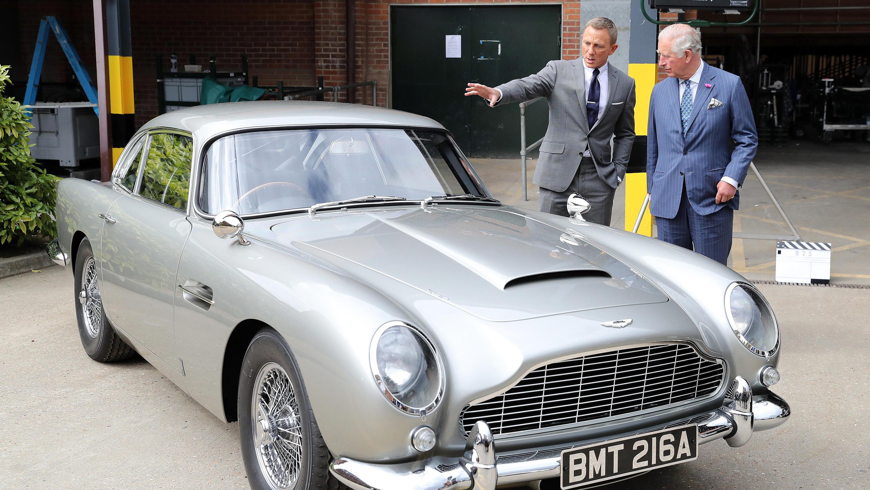 Prinz Charles Trifft Daniel Craig Beim Bond 25 Dreh In Londoner Pinewood Filmstudios