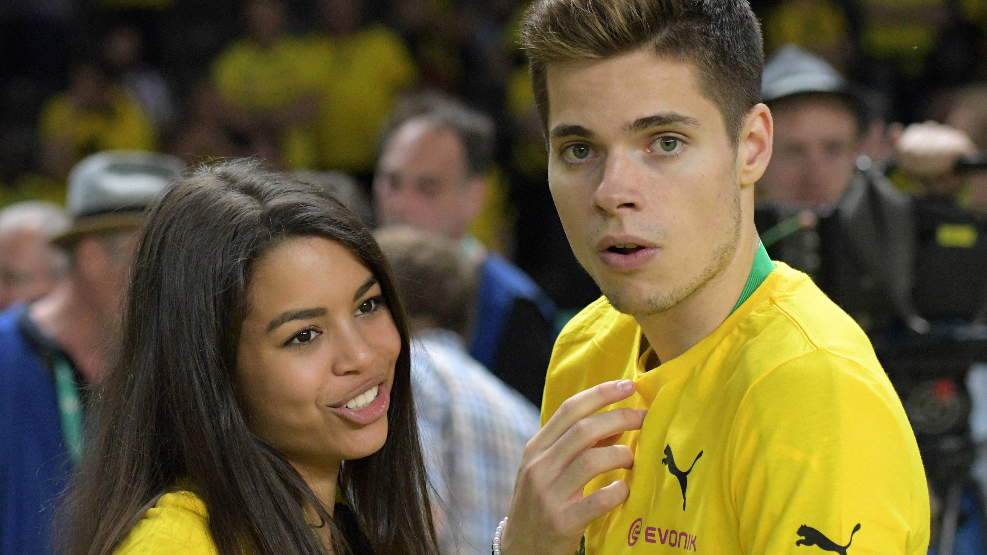 DFB-Pokalfinale Eintracht Frankfurt - Borussia Dortmund / 27.05.2017 / Julian Weigl (BVB) und seine Freundin Sarah Richmond. HMDFB Cup finals Eintracht Frankfurt Borussia Dortmund 27 05 2017 Julian Weigl Borussia and his Girlfriend Sarah Richmond HM