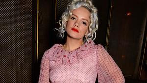 Lily Allen: Bye, bye, iPhone!