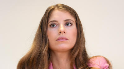 Cathy Hummels Irritiert Mit Merkwurdiger Frisur Das Steckt Dahinter