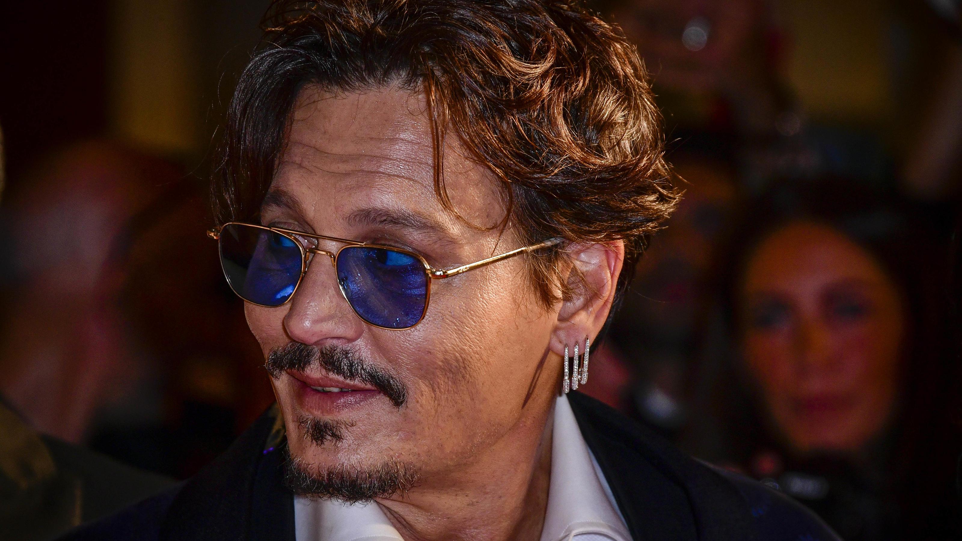 Filmfest Venedig: Bei Johnny Depp flippen die weiblichen Fans immer noch aus - VIP.de, Star News