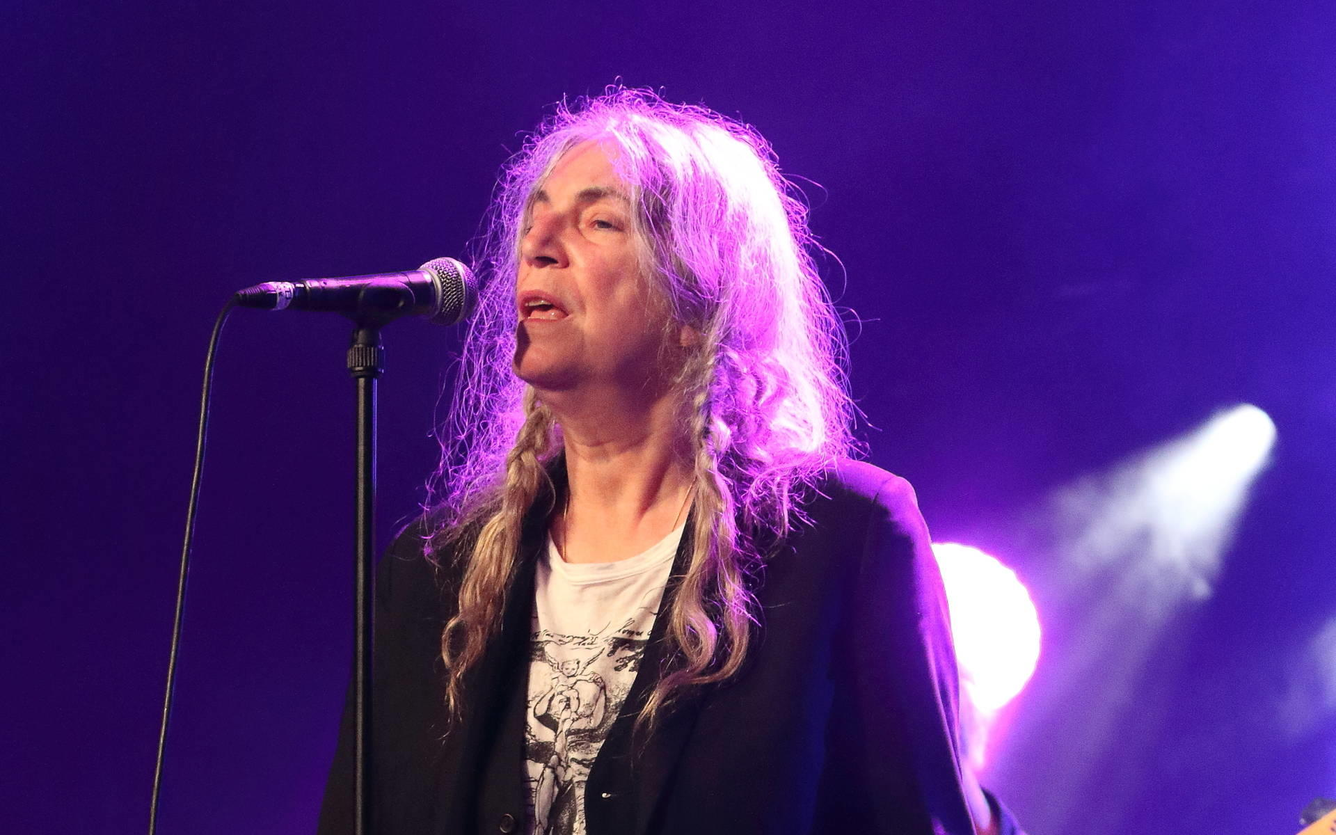 Patti Smith: Von der Punk-Poetin zum Model für Saint Laurent