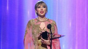 Taylor Swift räumt bei den American Music Awards ab