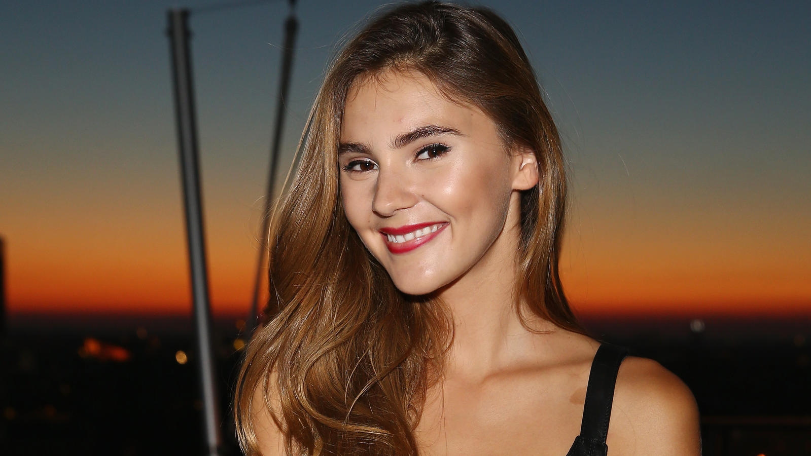 Stefanie Giesinger attends the