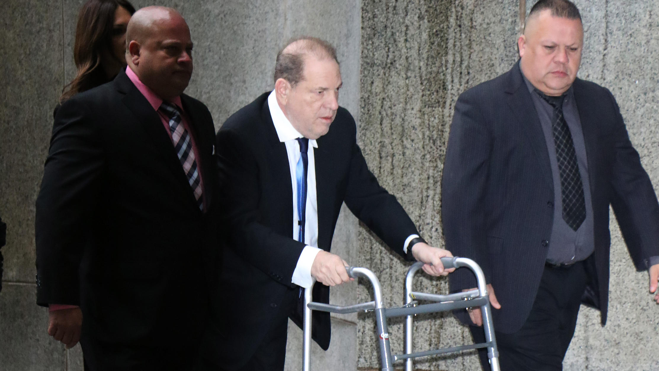 Entertainment Bilder des Tages NEW YORK, NY- December 11: Harvey Weinstein arrives to the Supreme Court in New York City on December 11, 2019. PUBLICATIONxINxGERxSUIxAUTxONLY Copyright: xRWx