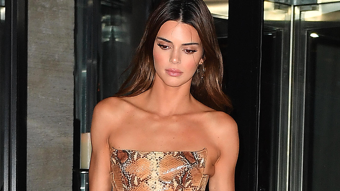 Kendall Jenner eats dinner at Milos in Miami Beach,Florida.Kendall met up with friends wearing a snakeskin top.Pictured: Kendall JennerRef: SPL5134025 051219 NON-EXCLUSIVEPicture by: Robert O'Neil / SplashNews.comSplash News and PicturesLos Angeles: