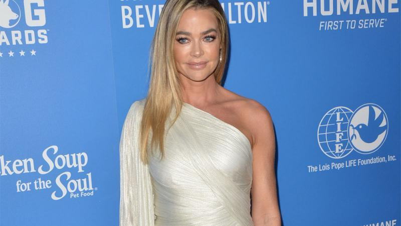 Denise Richards: Notoperation wegen Hernien