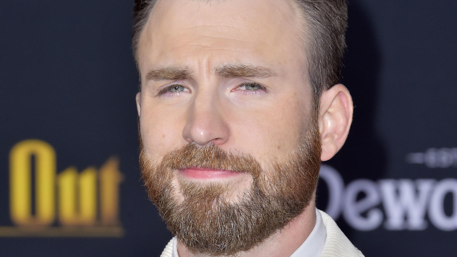Chris Evans bei der Premiere des Kinofilms 'Knives Out - Ein Mord zum Dessert' im Regency Village Theatre. Los Angeles,