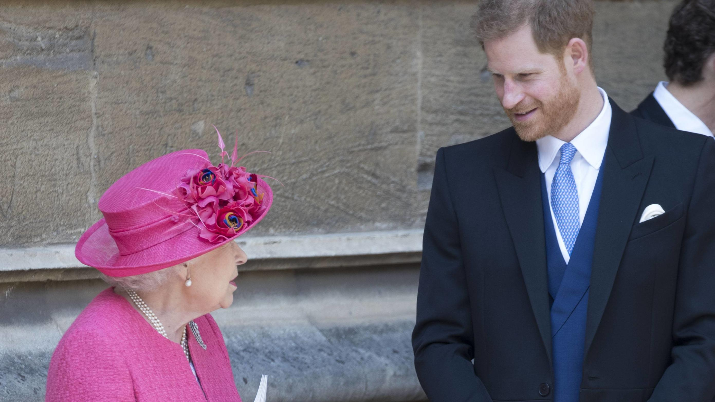 . 18/05/2019. Windsor , United Kingdom. Queen Elizabeth II and Prince Harry, Duke of Sussex leaving the Lady Gabriella Windsor wedding at St.George s Chapel, Windsor, United Kingdom. PUBLICATIONxINxGERxSUIxAUTxHUNxONLY xStephenxLockx/xi-Imagesx IIM-