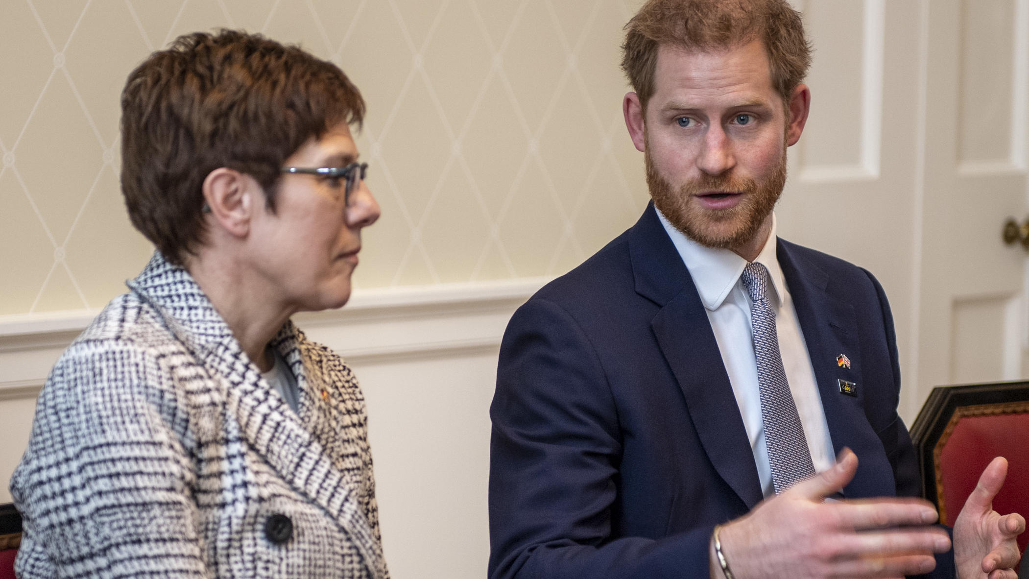 Annegret Kramp-Karrenbauer trifft Prinz Harry in London. (Quelle: Invictus Games)