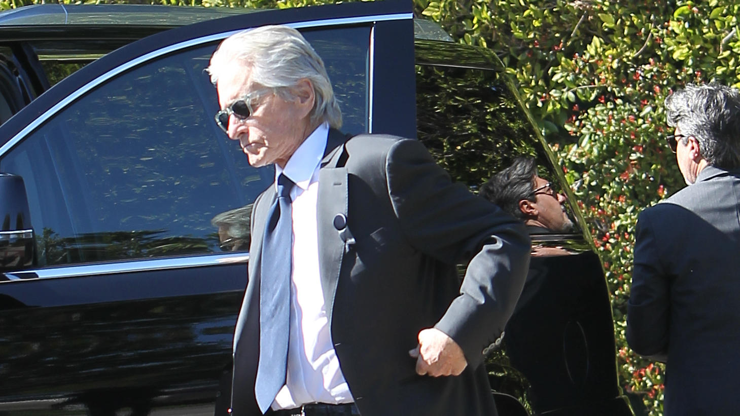 Michael Douglas is seen arriving to the Kirk Douglas' Memorial at the Hollywood legends Beverly Hills home after his intimate funeral in LA.Pictured: Michael DouglasRef: SPL5146869 070220 NON-EXCLUSIVEPicture by: SplashNews.comSplash News and Picture