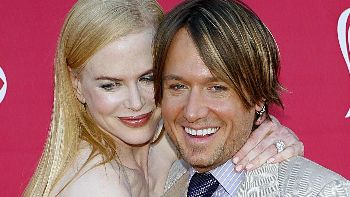 Nicole Kidman wearing an Yves Saint Laurent dress, Keith Urban at arrivals for ARRIVALS - 43rd Annual Academy of Country Music Awards ACM, MGM Grand Garden Arena, Las Vegas, NV, May 18, 2008. Photo by: James Atoa/Everett Collection ACHTUNG AUFNAHMEDA