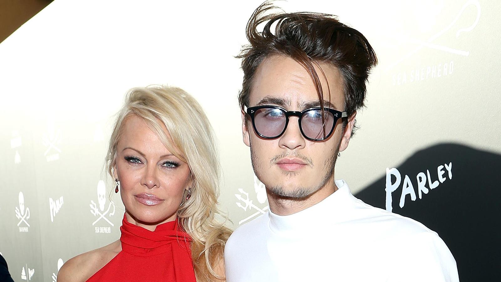 Pamela Anderson Kinder