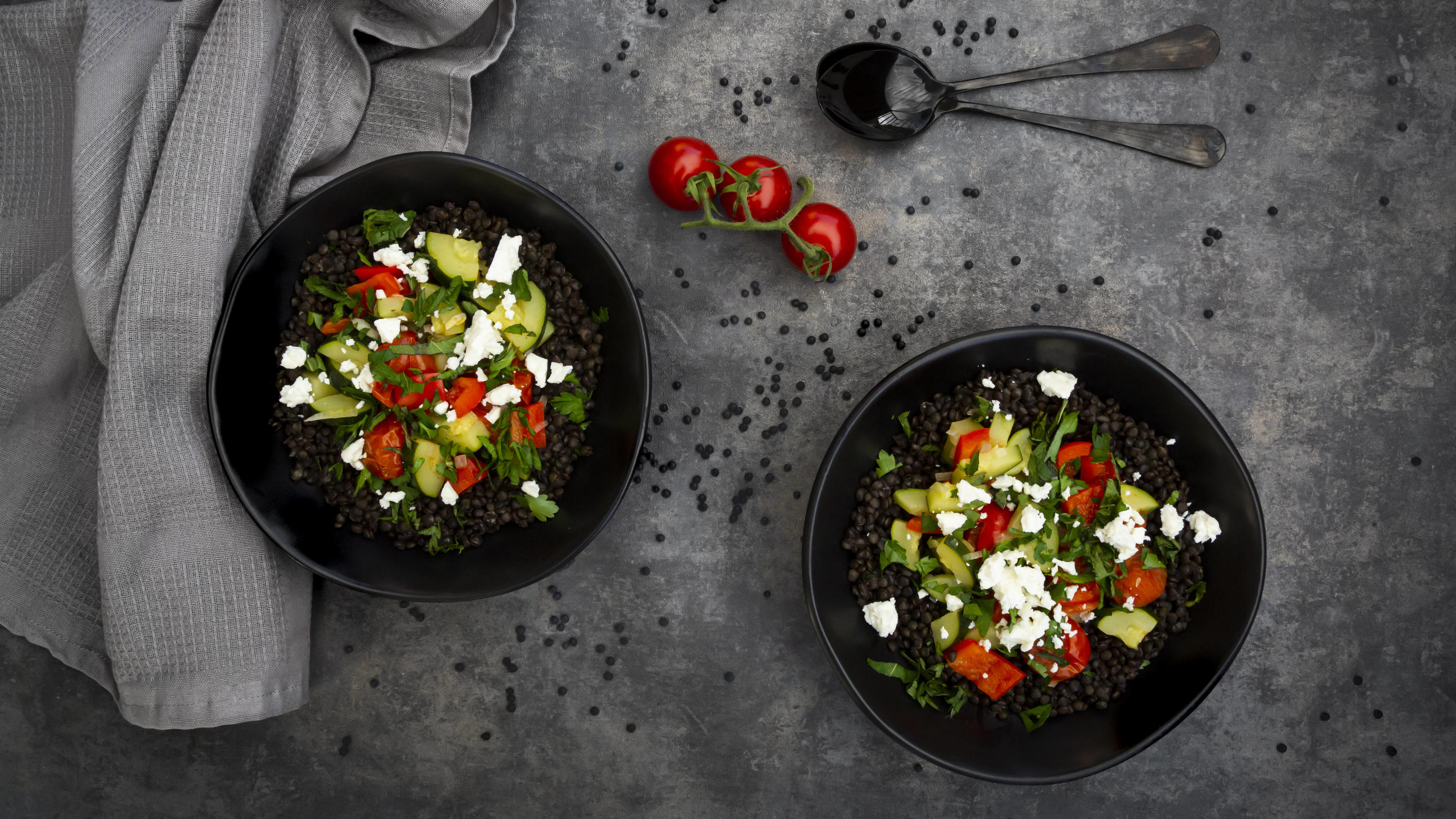Beluga lentils with tomatoes, peppers, zucchini, feta, mint and parsley PUBLICATIONxINxGERxSUIxAUTxHUNxONLY LVF08517