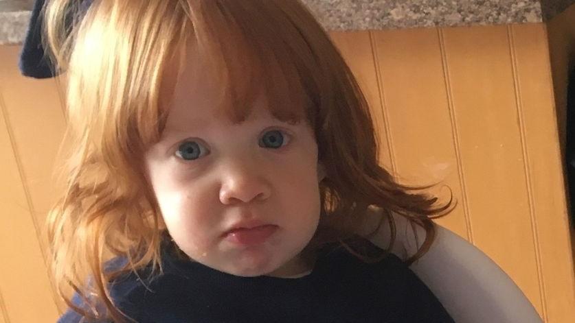 Kind Reißt Sich Haare Aus