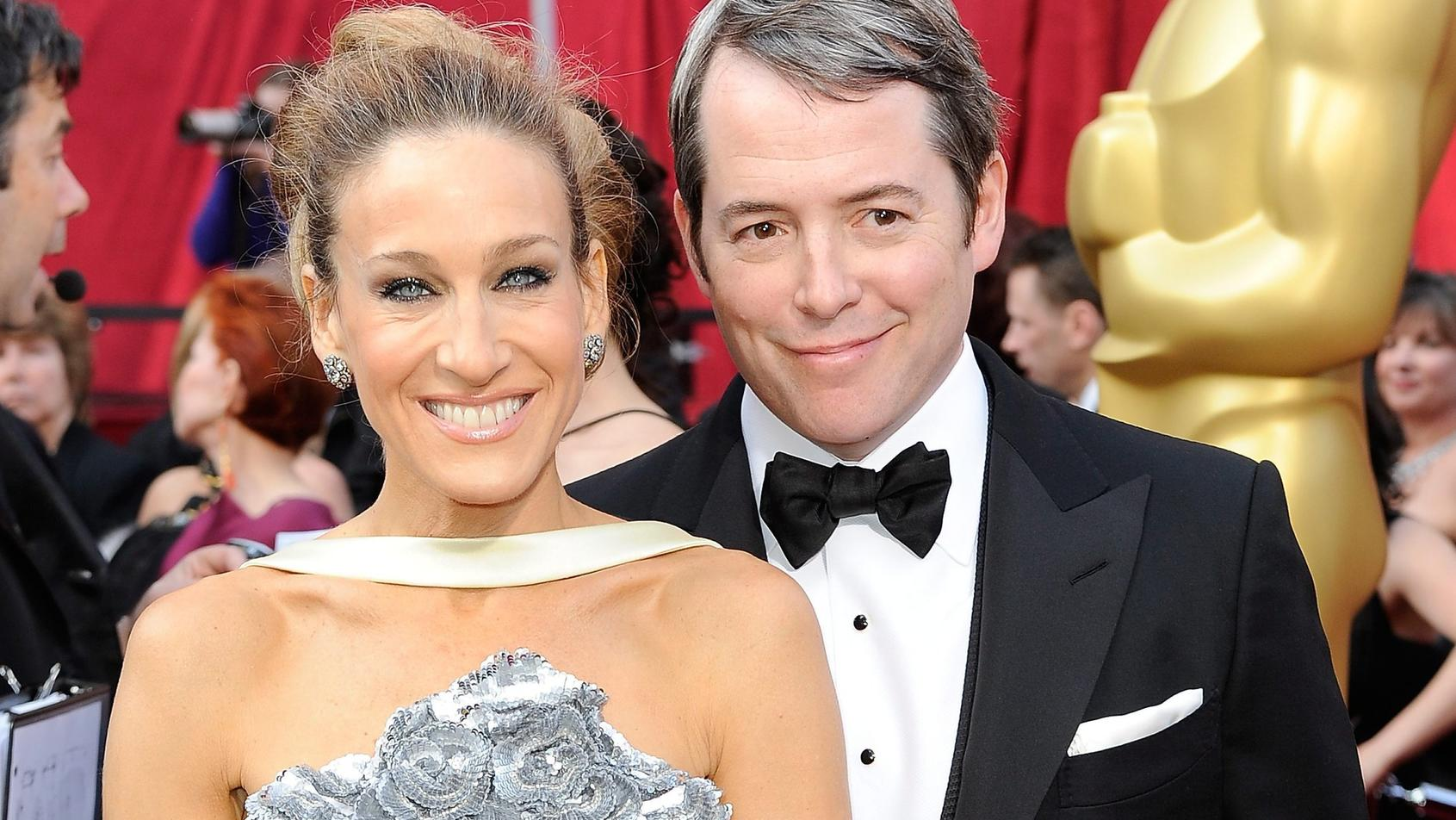 "FILE - US actors Sarah Jessica Parker and Matthew Broderick arrive on the red carpet during the 82nd Annual Academy Awards at the Kodak Theatre in Hollywood, California, USA 07 March 2010. EPA/ANDREW GOMBERT (zu dpa ""50 und fabelhaft': 'Sex and the C"