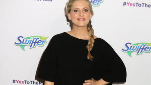 Sarah Michelle Gellar: Computer am Thanksgiving-Tisch