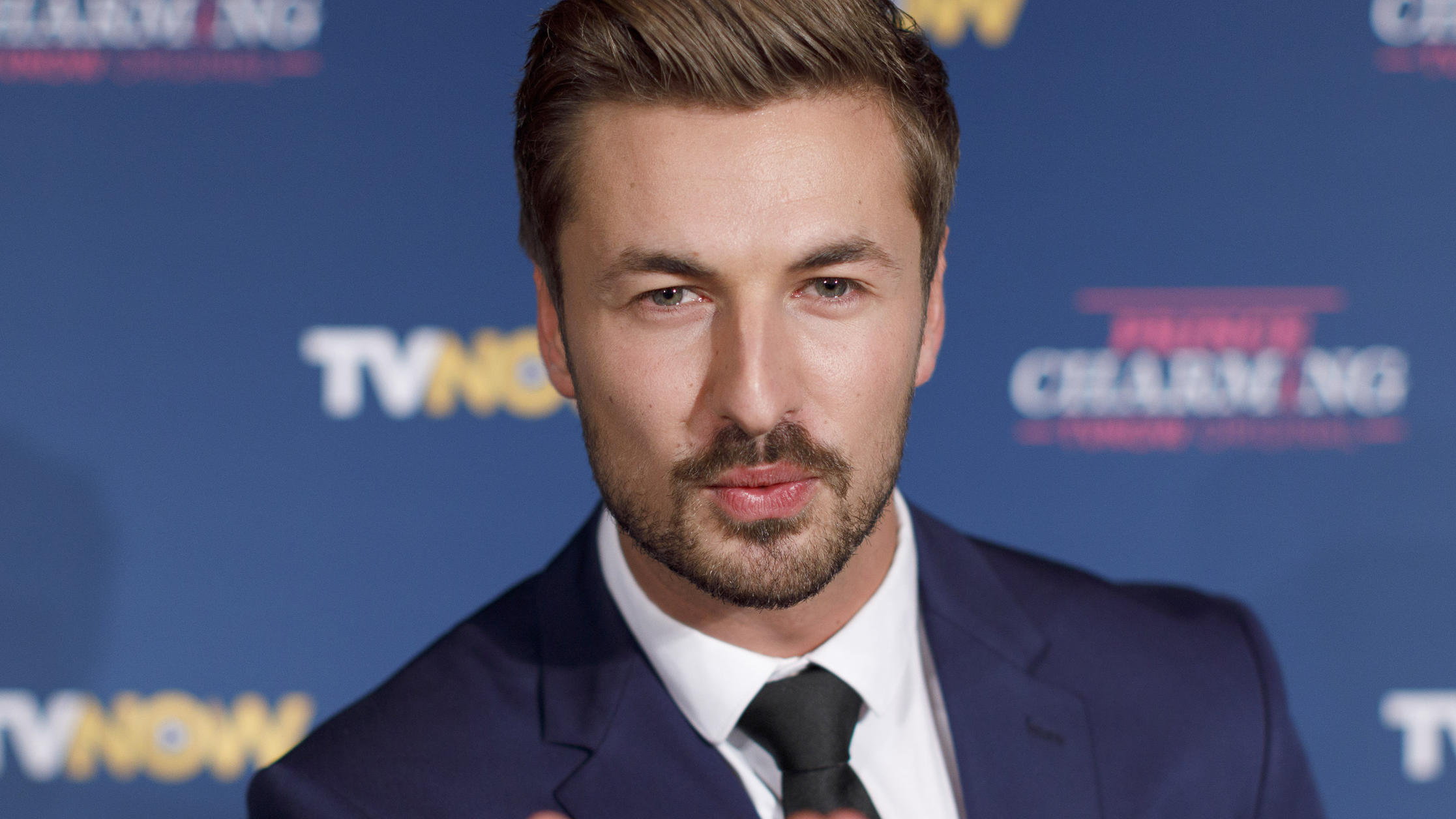 Nicolas Puschmann bei der Premiere der TVNOW Gay-Dating-Show Prince Charming in Hennes Terrasse am Mauritiuswall. Köln, 29.10.2019 *** Nicolas Puschmann at the premiere of the TVNOW Gay Dating Show Prince Charming in Hennes Terrasse am Mauritiuswall