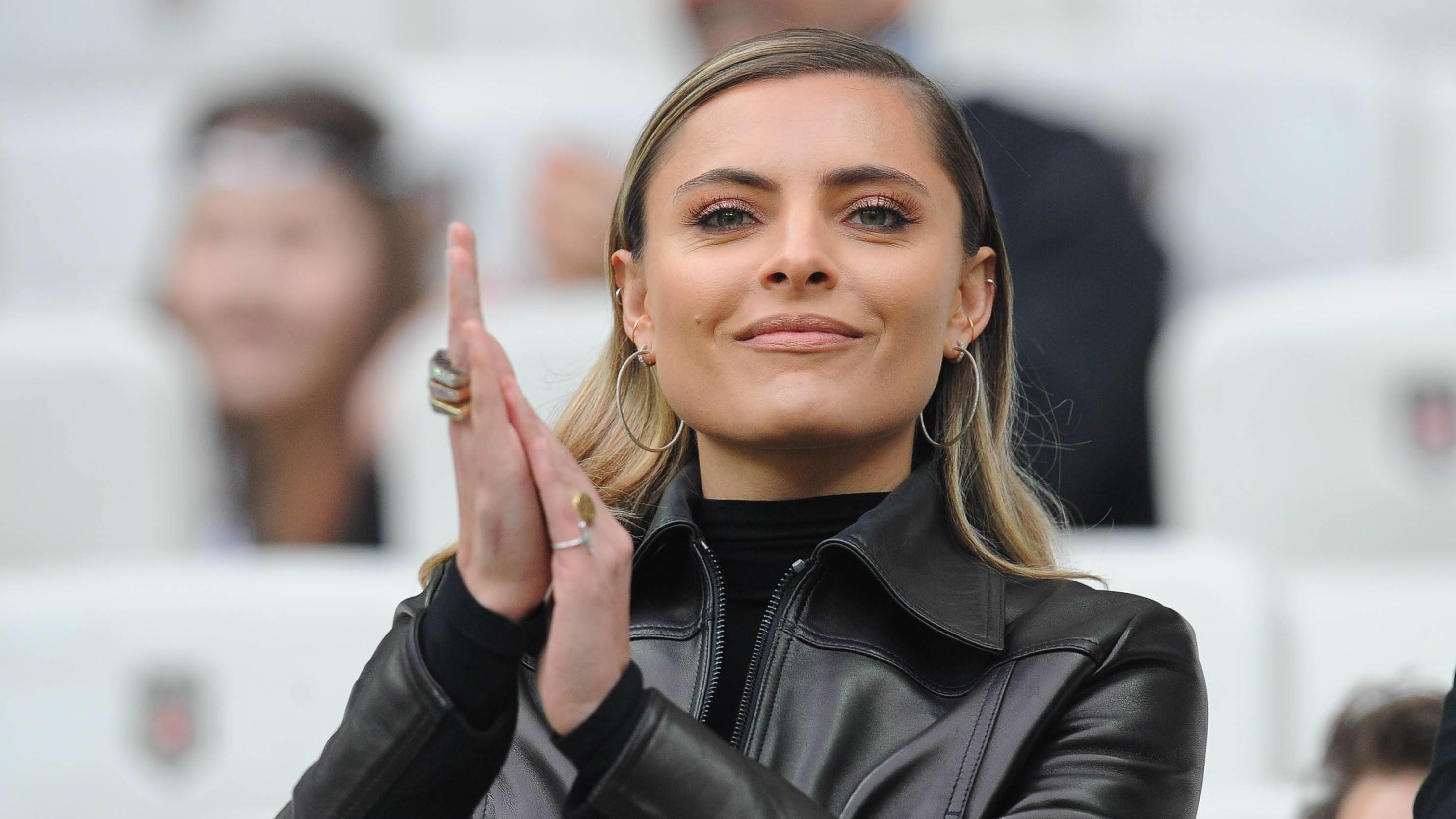 Besiktas s goalkeeper Loris Karius s girlfriend German model Sophia Thomalla during the Turkish Super League football match between Besiktas and Goztepe at Vodafone Park in Istanbul , Turkey on March 16 , 2019. PUBLICATIONxNOTxINxTUR