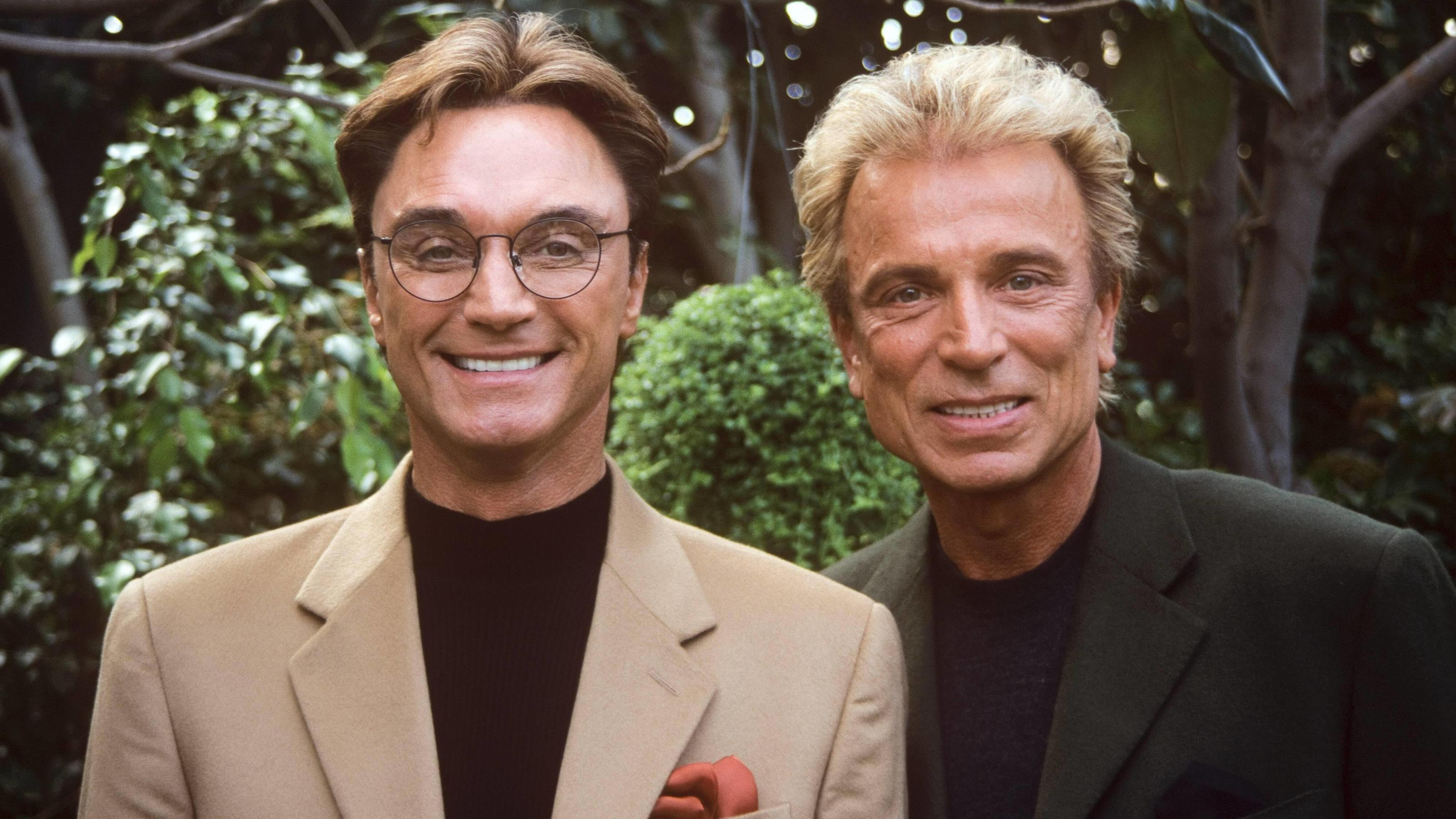 Siegfried & Roy Siegfried Fischbacher and Roy Horn circa 2000. Reproduction by American tabloids is absolutely forbidden. Beverly Hills CA United States PUBLICATIONxINxGERxSUIxAUTxONLY Copyright: xJeanxCummingsx 31315_158JRC