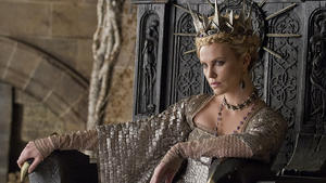 Charlize Theron als böse Königin in 'Snow White'