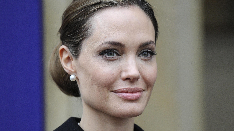 Angelina Jolie - Brad Pitt Angelina Jolie Sie Sagt Sich
