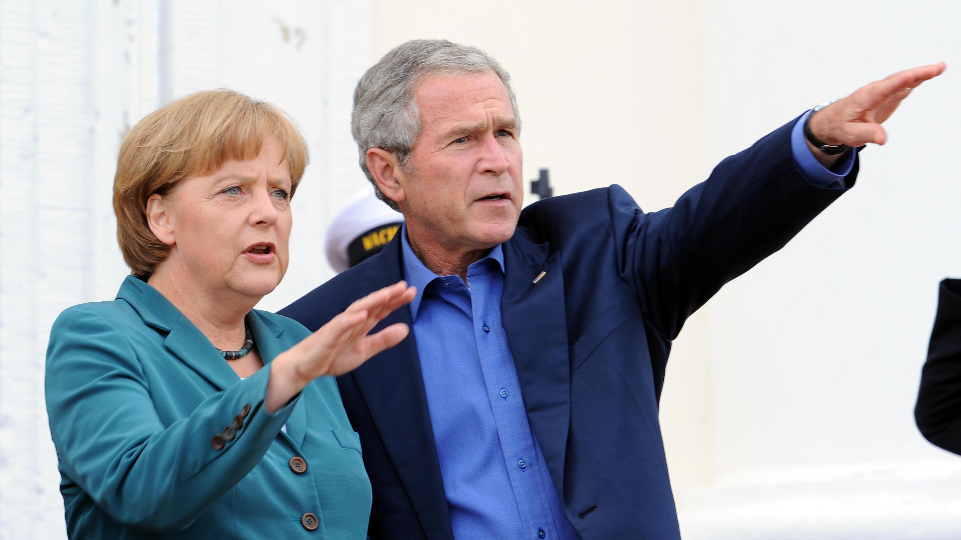Merkels Outfit fürs erste Mal! In diesem Blazer traf die