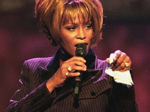 Whitney Houston: Tod durch Medikamenten-Cocktail?