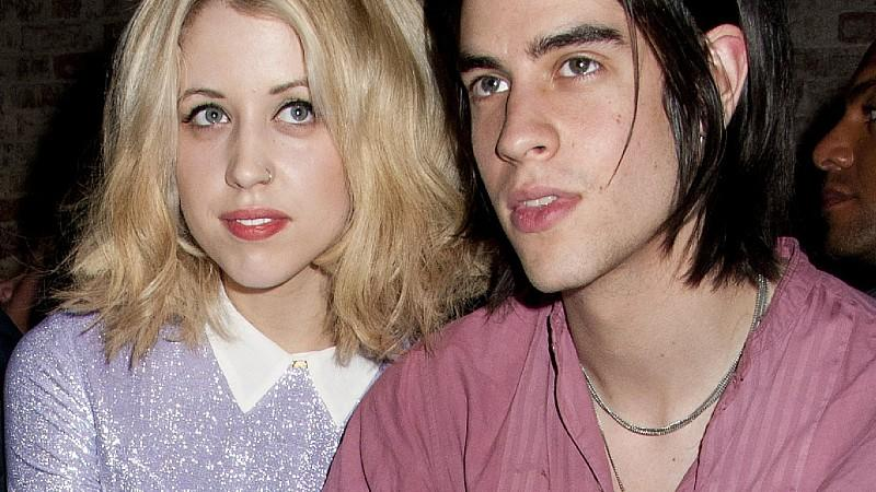 **File Photos*** PEACHES GELDOF PREGNANTBritish socialite PEACHES GELDOF is pregnant with her first child.  Bob Geldof's daughter is engaged to marry rocker boyfriend Thomas Cohen and now they're set to become parents by the end of the year (12).  He